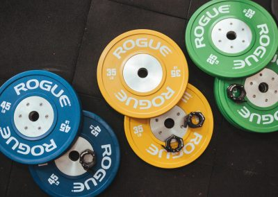 crossfit-exercise-equipment-heavy-indoors-1092878